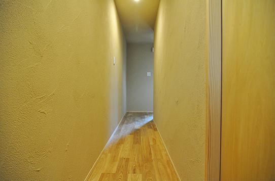 お部屋に続く廊下の様子
