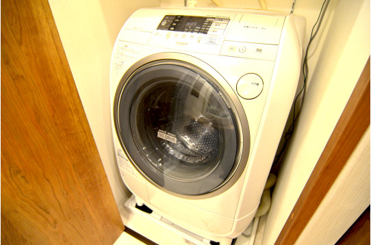 ドラム式の洗濯機で乾燥まで出来ます(無料)