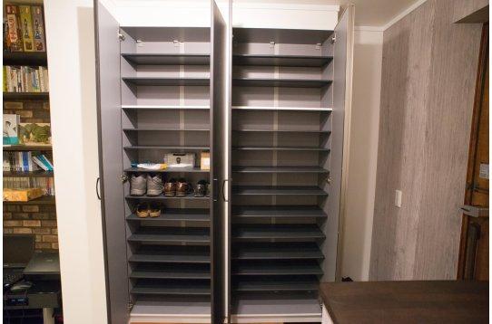 玄関の靴箱は収納豊富