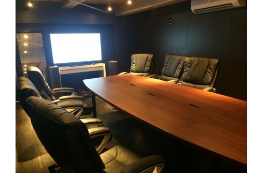 会議室、ビジネスの発展にお役立て下さい。(要予約)