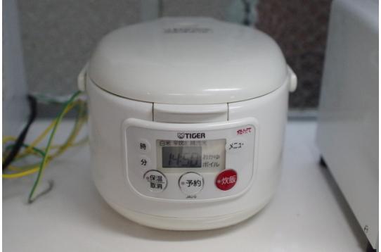 炊飯器は5合炊きと3合炊きあります