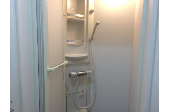 シャワーは2つです