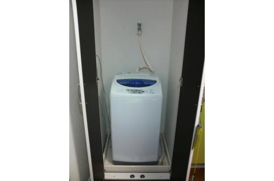 大型全自動洗濯機。もちろん使用料無料。