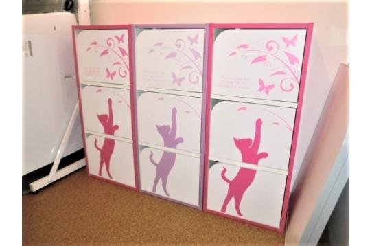 脱衣室には個人用の収納スペースを設けています