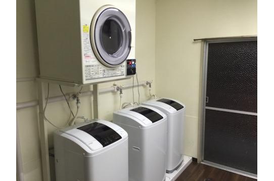 無料の洗濯機(1階2台、3階3台)