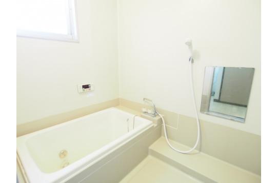 浴槽付きのお風呂です