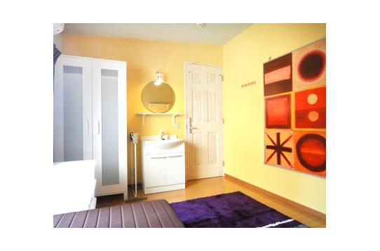 洗面台付きのお部屋です。