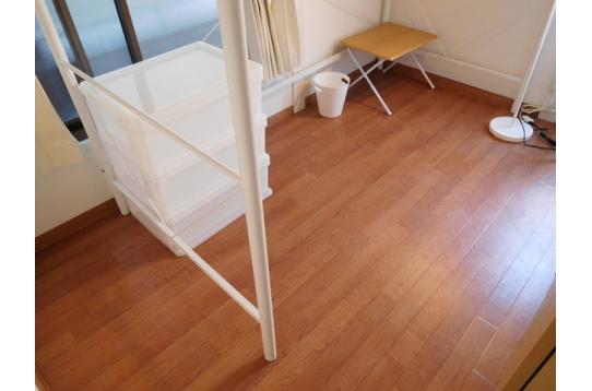205号室、角部屋、個室鍵付き