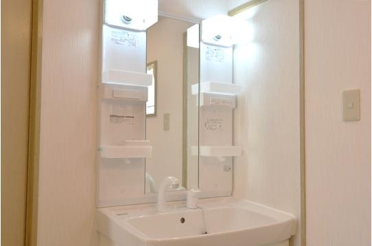 洗面スペースも2つあるので、忙しい朝も安心。
