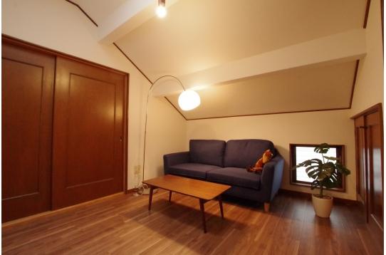 共有のソファールーム
