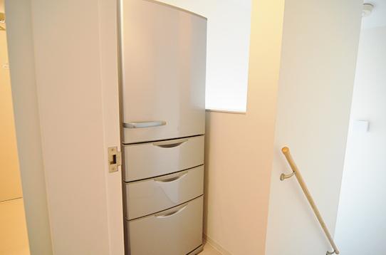 キッチン以外にも冷蔵庫を用意