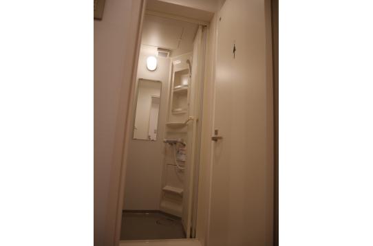 シャワー室 1階3、2階1、3階1