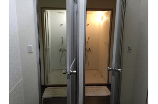 シャワールーム(1階2室、3階3室)