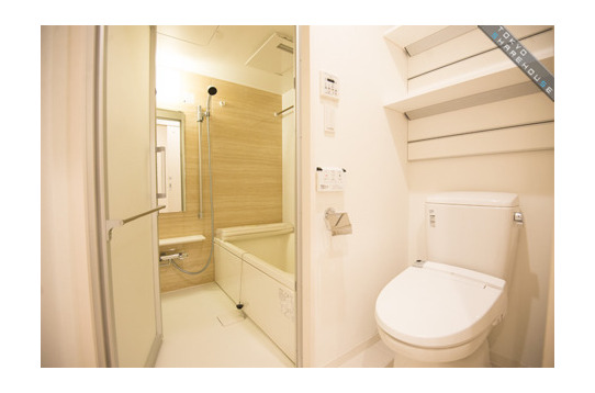 トイレはこれ以外にもう一つ、風呂はフルサイズです。