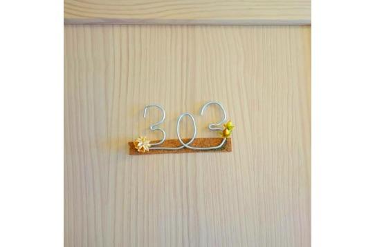 イコム社員手作りのお部屋番号サイン。