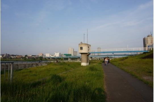 ♥ハウス目の前 川沿いのサイクリングコース