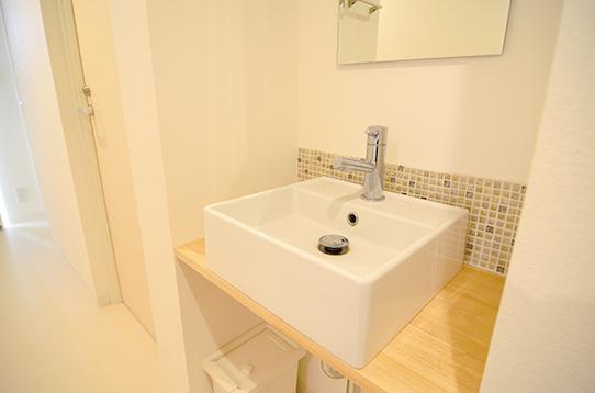 共用の洗面台も各階にあります