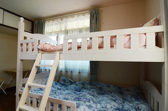 1名入居の場合はベッドが1段になります