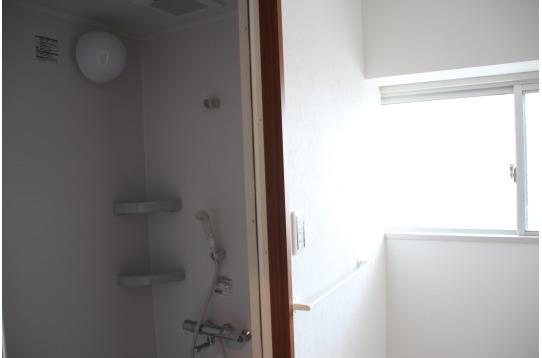 お風呂も2箇所&シャワーは4箇所で快適♪