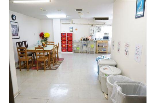 キッチン兼ダイニングスペースになります。