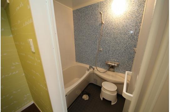浴槽ありで、ゆっくりお湯につかれます。