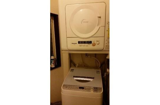 新品洗濯機と乾燥機