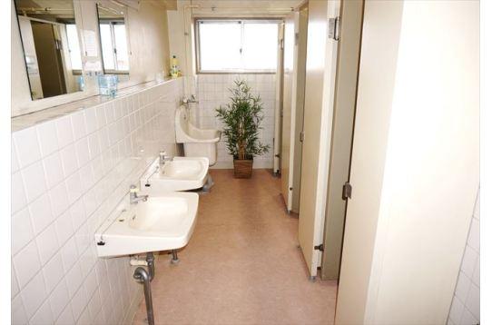 トイレ、各階にあります。