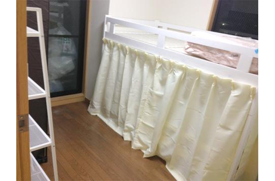 ベッドもカーテン付き!