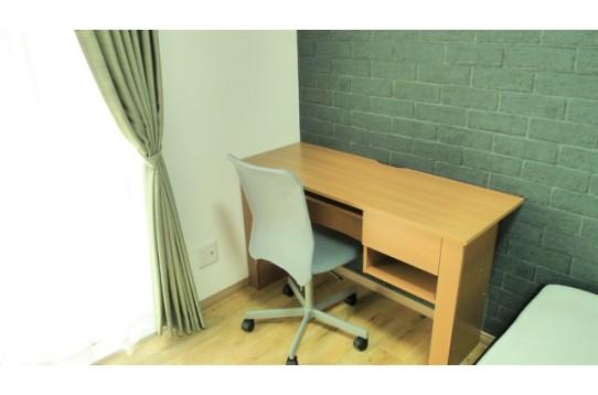全室テーブル、椅子付き!