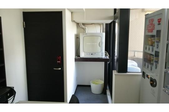 洗濯機、乾燥機、シャワー全て無料。