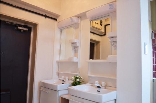 洗面台が2箇所あるので便利です!
