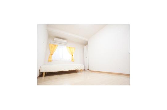 カーテンの色はお部屋によって様々