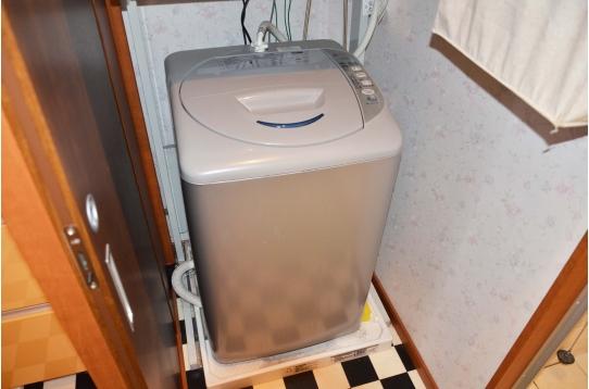 洗濯機もございます。