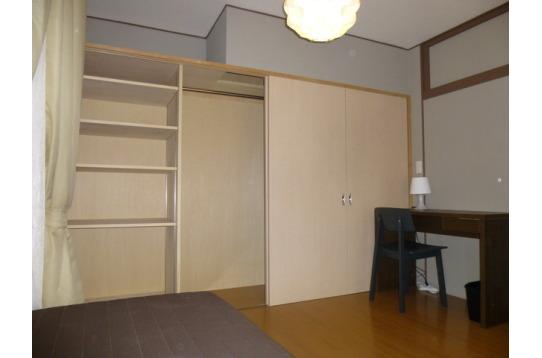 現在募集中の101号室 一面全て広々収納