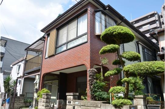 まるで絵のように素敵な一軒家