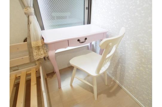 机、椅子も用意しています。