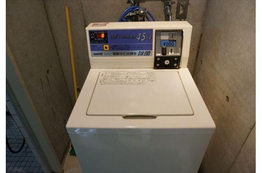 コイン式洗濯機