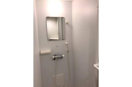 共用部のシャワーになります。