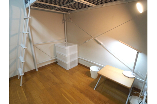 101号室ロフトベットで広く使えます個室鍵付き