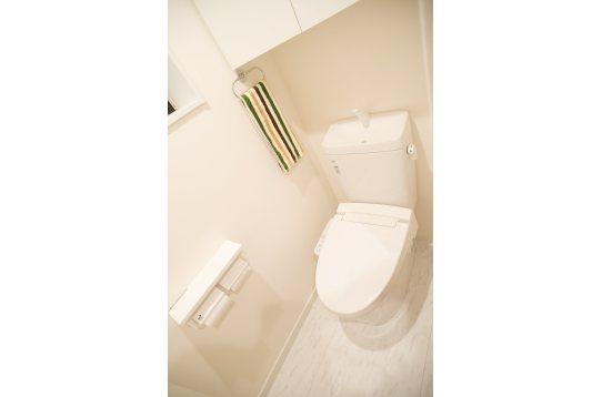 トイレは2階と3階に一つずつ、ウォシュレット