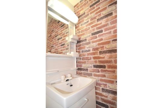 各個室には完全プライベートの洗面台があります