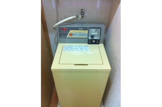 洗濯機。1回のご利用で200円です。