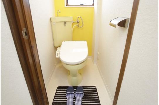 温水便座付トイレが3つ