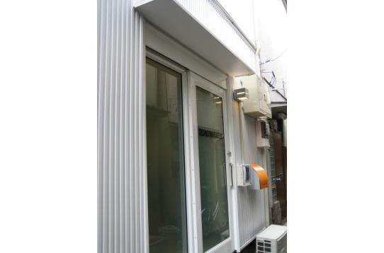 ◆白い扉が印象的な玄関!