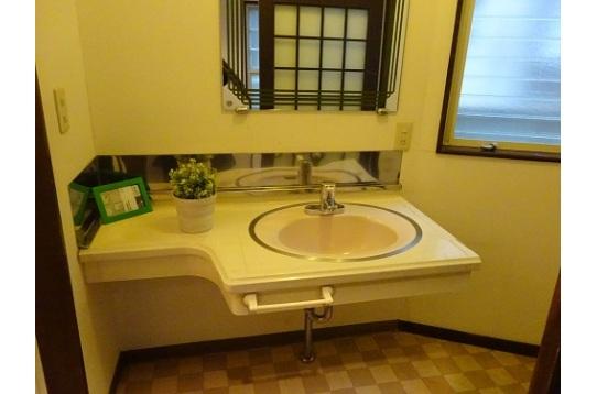 洗面所もたっぷり。脱衣所もたっぷり広さがあります