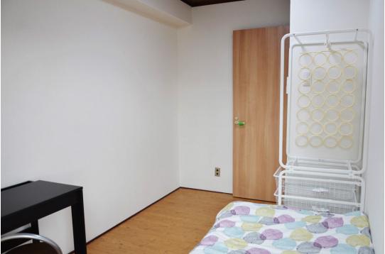 家具完備の個室です!(501a号室)