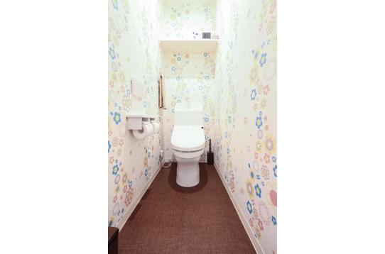 トイレは2つウォシュレット付き!