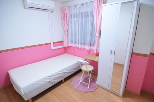 ピンクのお部屋もあります。