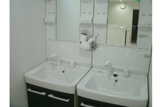 洗面台も広々使えます!