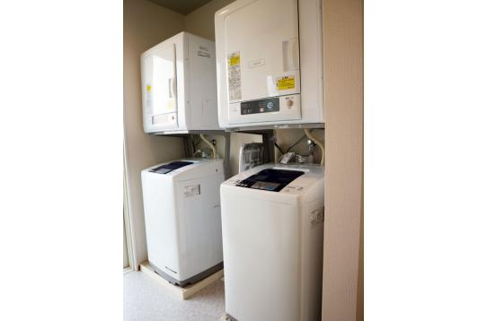 洗濯機と乾燥機もあります